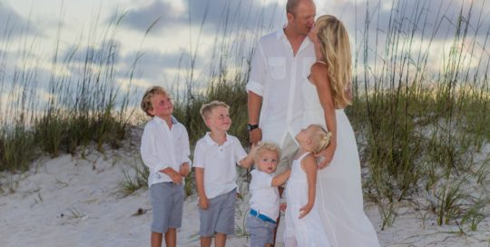 Family beach Photo of blonde family