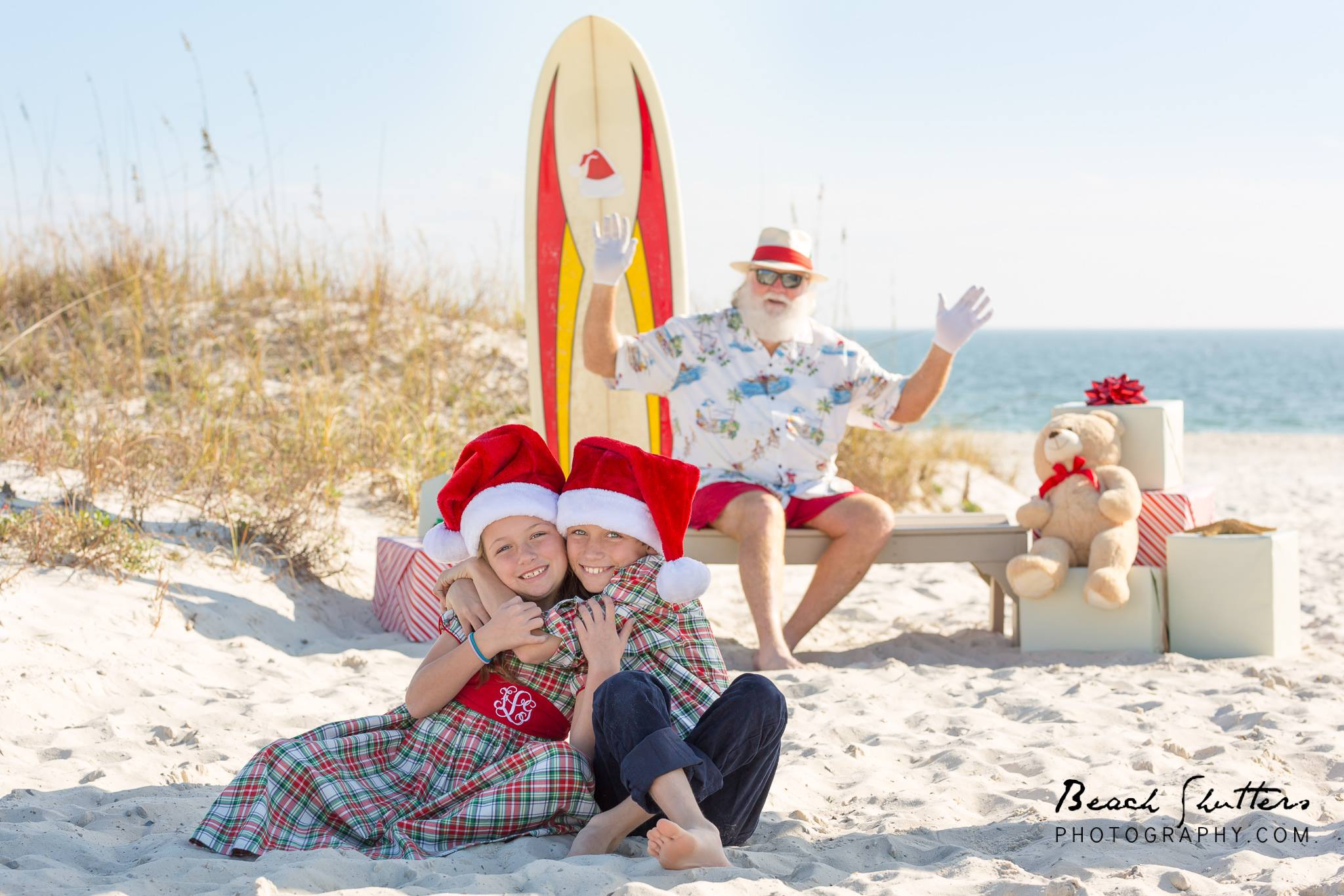 Holiday mini sessions Surfer Santa in Orange Beach