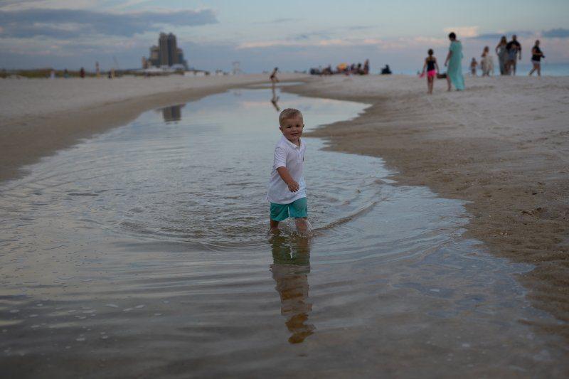 photographers in Orange Beach edits photos