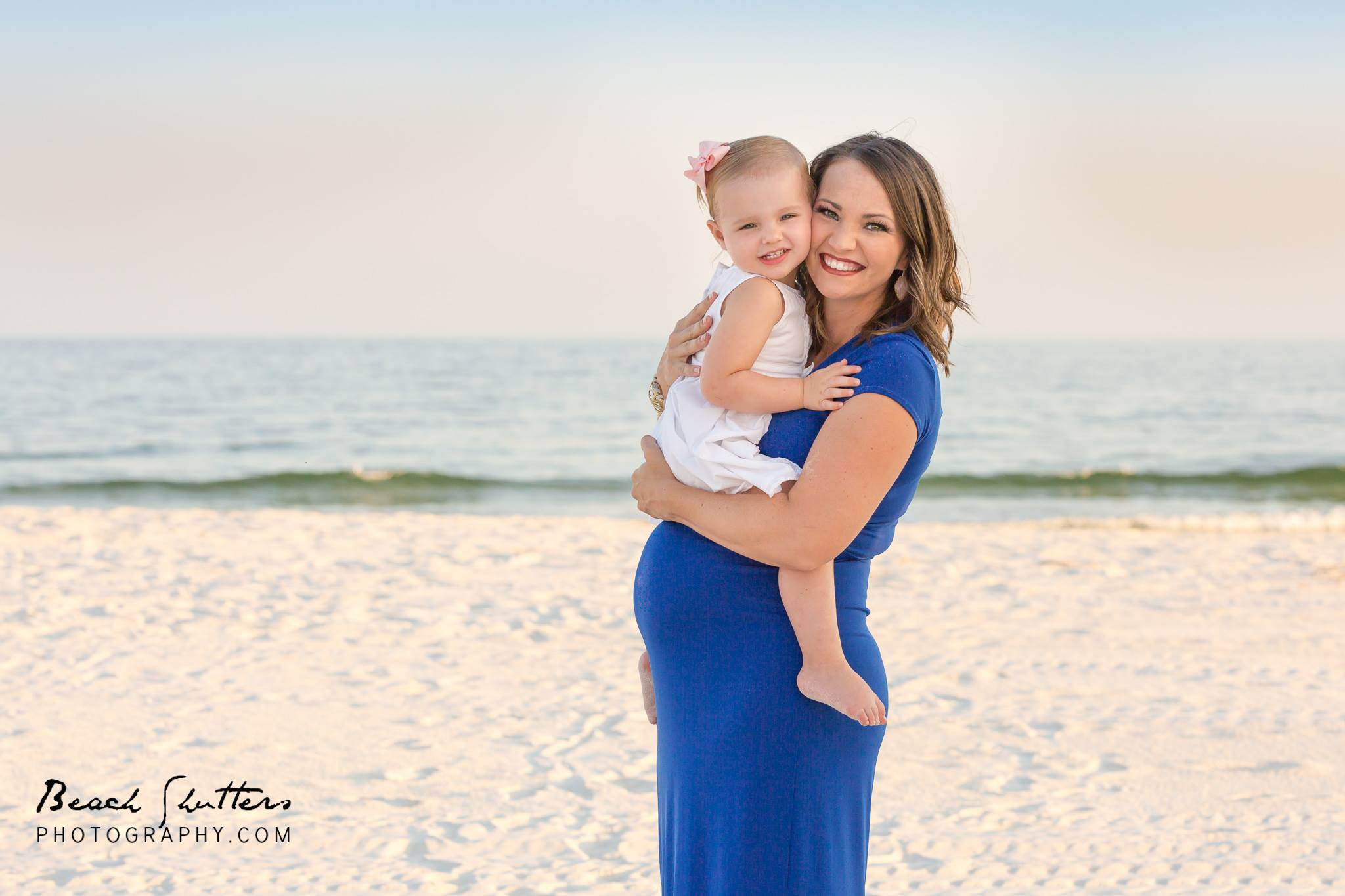 pro photographers in Orange Beach Al maternity sessions