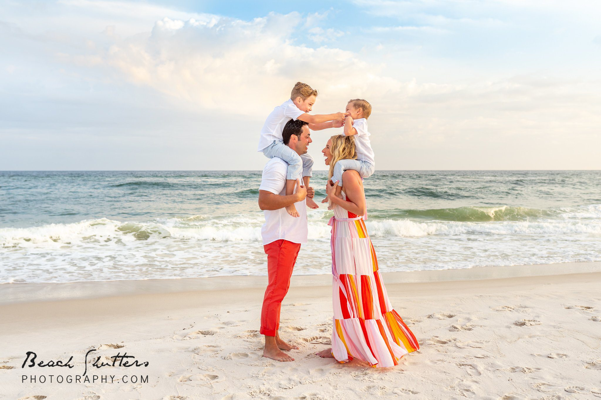 perfect family photo session at the beach